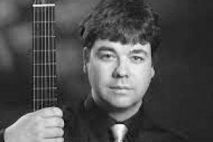 http://guitarest.com/wp-content/uploads/2017/11/Jonathan-300x200.jpg